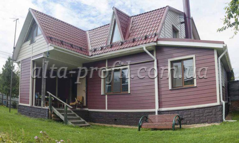 дом облицованный вспененным сайдингом Alta-board от Альта-Профиль