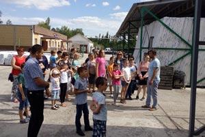 Экскурсия для детей на завод по изготовлению сайдинга и водостоков.